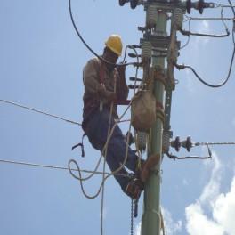 Mantenimiento de redes eléctricas aéreas de baja tensión
