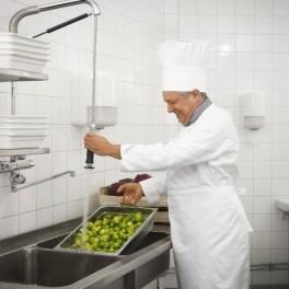 Aplicación de normas y condiciones higiénico-sanitarias en restauración.Operaciones básicas del restaurante y bar